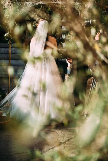 bride-dress-veil
