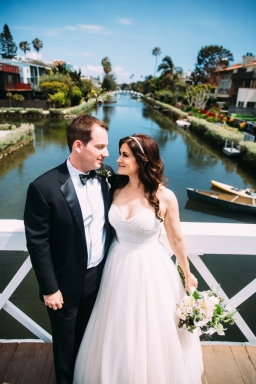 bride-and-groom-in-Venice-Beach