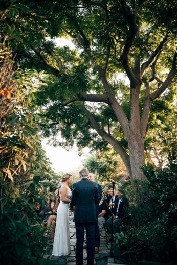wedding-ceremony-in-garden