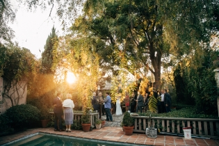 wedding-reception-outside-at-sunset