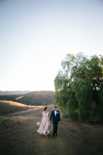 bride-and-groom-in-topanga