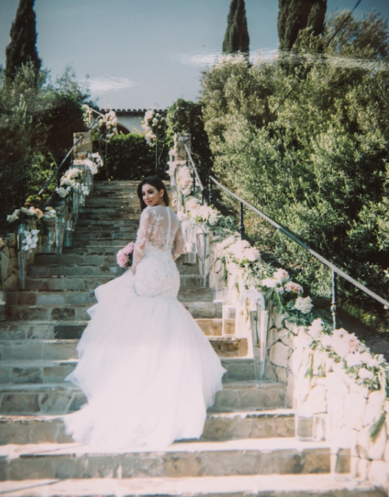 bride-posing-on-stairs