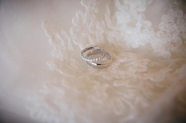 silver-wedding-rings