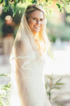 bride-porttrait-outside