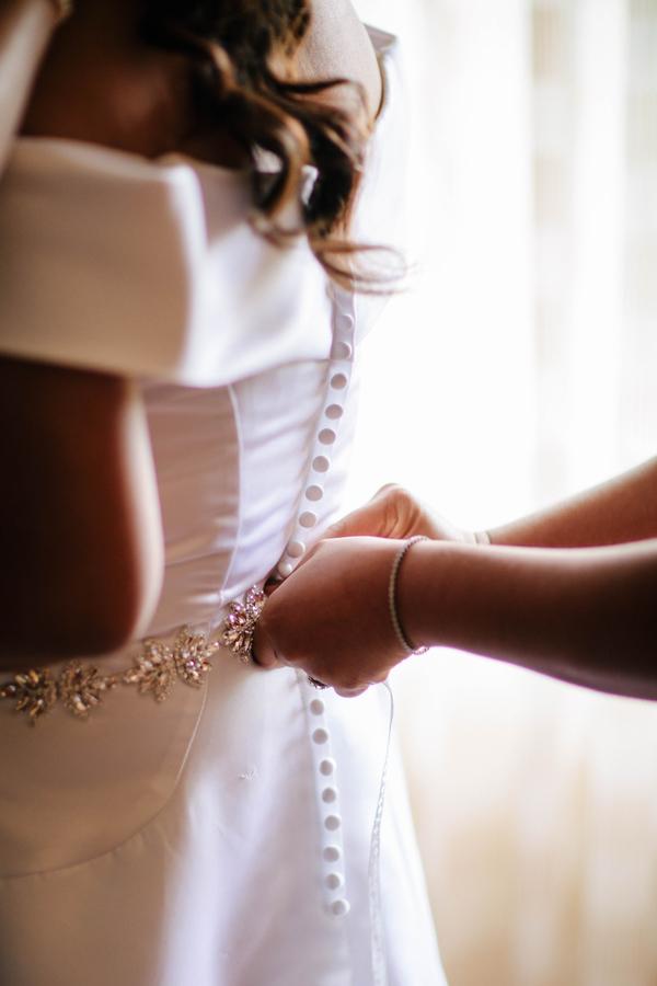 wedding-dress-buttons