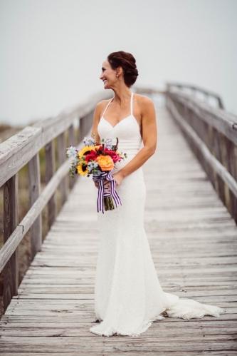 bride-on-pier