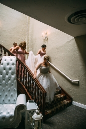 bridal-party-on-stairs