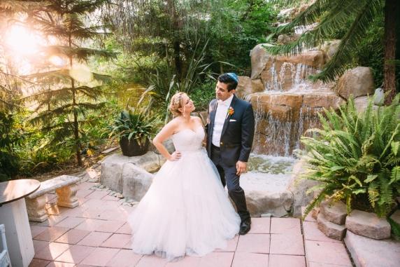 Jewish-bride-and-groom
