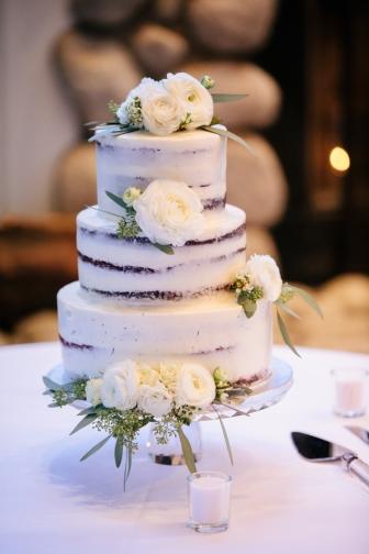 naked-wedding-cake-with-white-roses