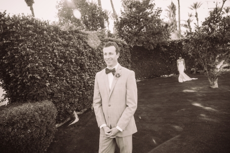 groom-waiting-for-bride