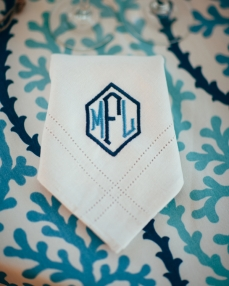 embroidered-initials-on-napkin