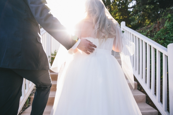 bride-and-groom-sun-flare