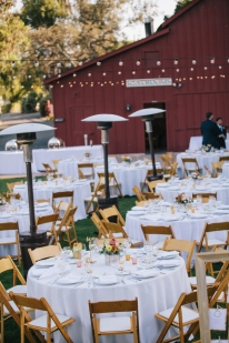 outdoor-wedding-reception-tables