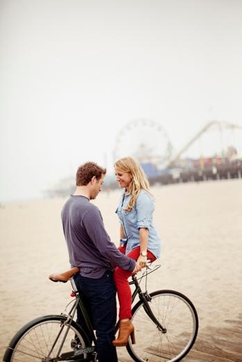 couple-posing-on-bike