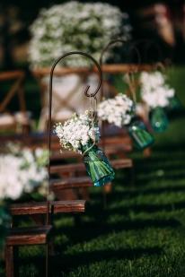 outdoor-wedding-aisle