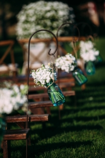 outdoor-wedding-aisle